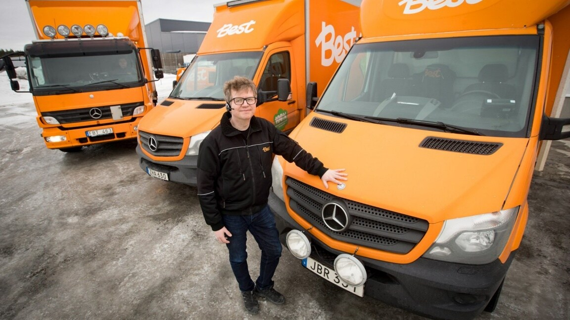 Olika Mercedes Sprinter bilar som distributionsbil